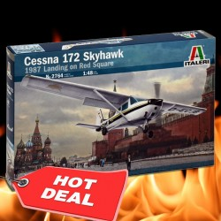 1/48 CESSNA 172 SKYHAWK - Landing on Red Square (1987)