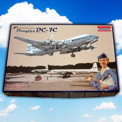 1/144 Douglas DC-7C Pan American Airways